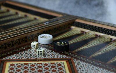 Backgammon – Et traditionelt brætspil